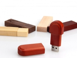 Red wood usb flash stick